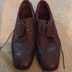Johnston & Murphy men's brown lace up dress shoes